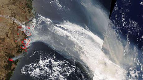 Un satélite de la NASA capta sobre el Pacífico impresionantes imágenes del humo de los incendios en Australia