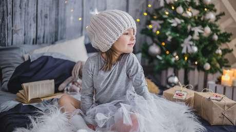"""""""Un iPhone 11, un conejito y... 4.000 dólares"""": Una niña de 10 años asombra a la Red con su ambiciosa lista navideña"""
