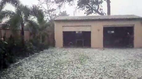 Australia: Bolas de granizo gigantes causan daños en autos y casas (FOTO, VIDEO)