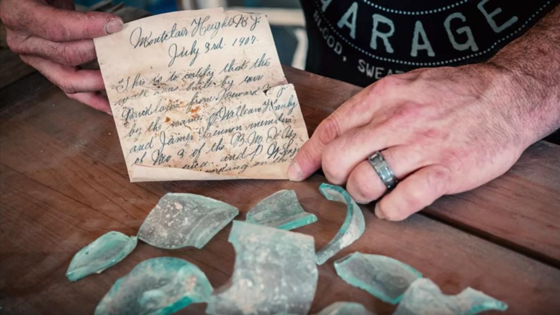 Un obrero encuentra en una pared una nota dejada allí hace 112 años (FOTO)