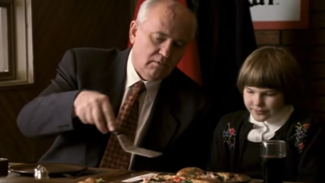 Por qué Mijaíl Gorbachov protagonizó un anuncio de Pizza Hut tras el colapso de la URSS