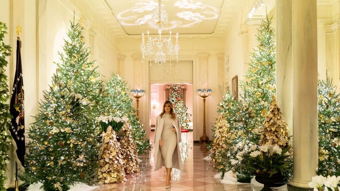 VIDEO: Melania Trump muestra las decoraciones de Navidad en la Casa Blanca (y este año no parecen a sacadas de 'El Resplandor')