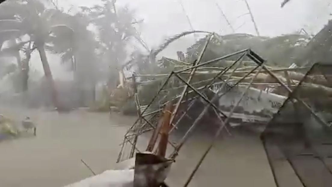 """El único ciclón en la Tierra alcanza la categoría """"catastrófica"""" y ya ha dejado varios muertos"""