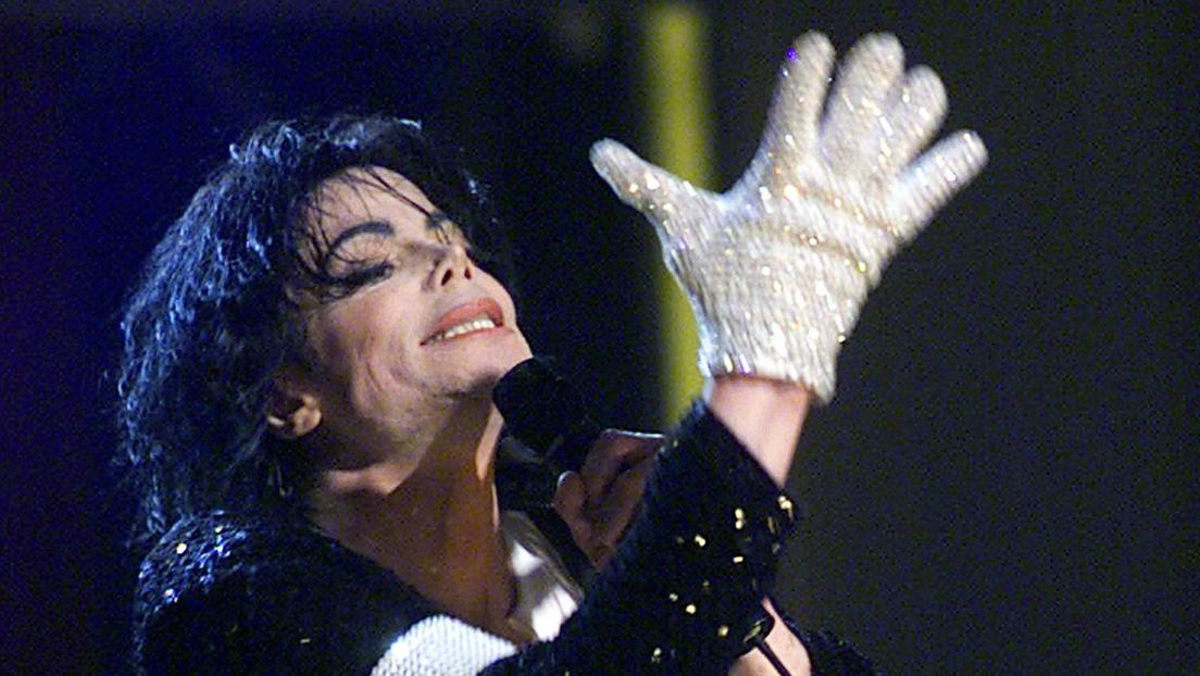 Johnny Depp prepara un musical sobre la vida de Michael Jackson desde el punto de vista de su guante