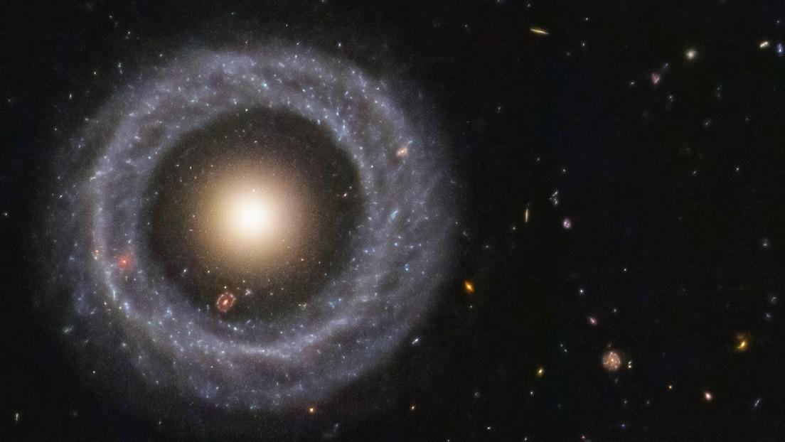 El objeto cósmico que nadie puede explicar: una galaxia dentro de una galaxia dentro de una galaxia (IMAGEN)