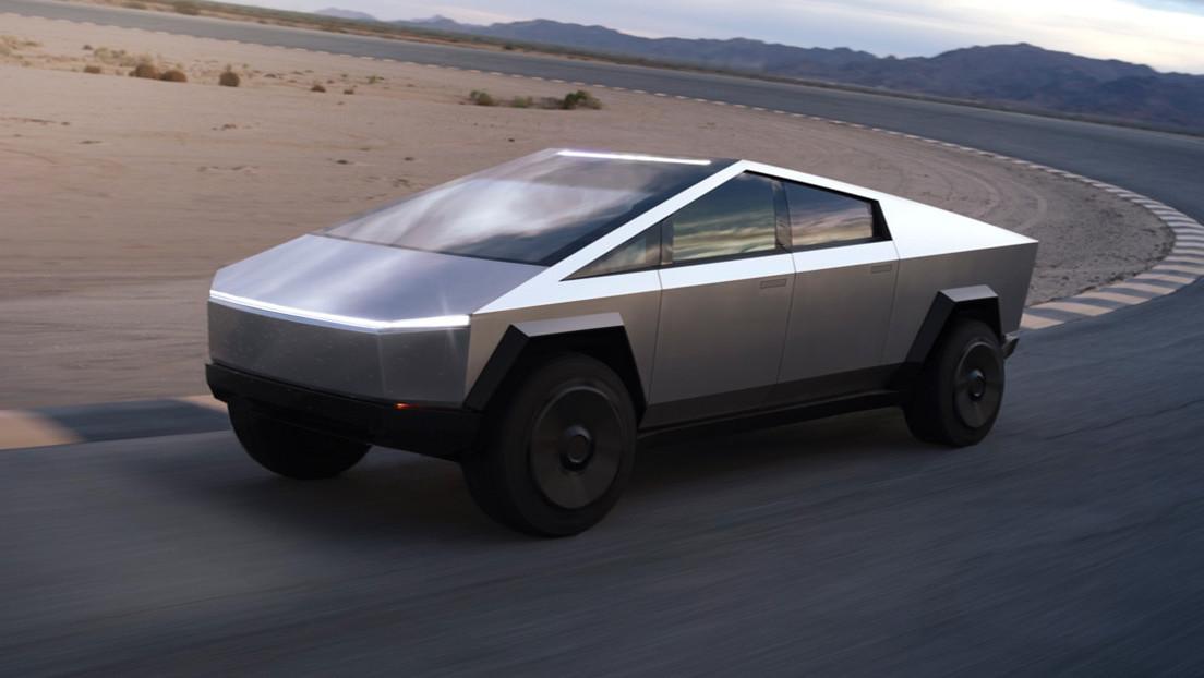 Secretos de la Cybertruck de Tesla: por qué se rompió su vidrio resistente y qué inspiró su diseño futurista