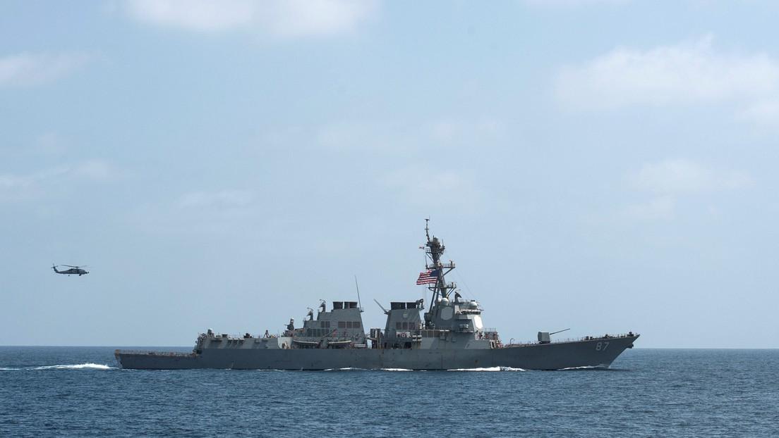 Reportan que la Armada de EE.UU. confiscó partes de misiles presuntamente iraníes en un bote que navegaba hacia Yemen