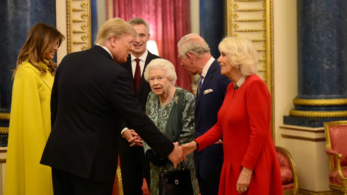 Periodista explica qué sucede en realidad en el video en el que la reina Isabel parece regañar a su hija por no saludar a Trump