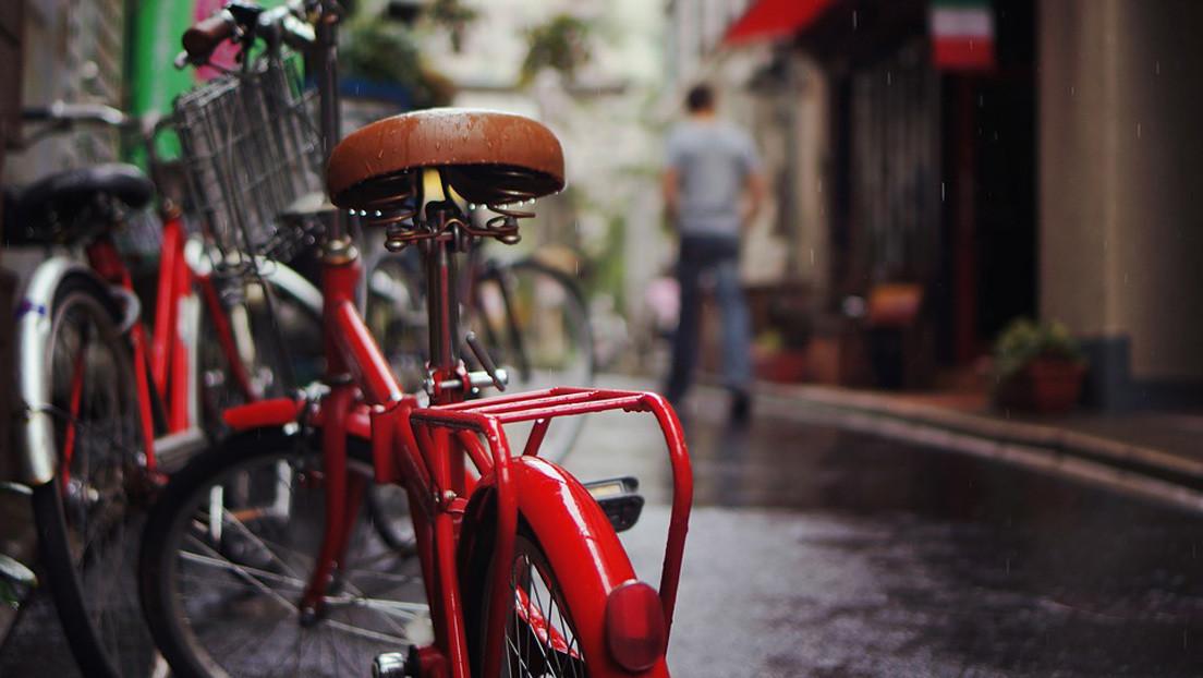 Un alemán viaja a Argentina para recorrer la cordillera de Los Andes en bicicleta y 90 minutos después le roban todo