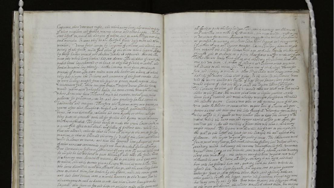 Identifican un manuscrito con una traducción de la reina Isabel I de Inglaterra e incluso hallan sus correcciones