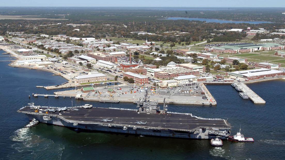 Al menos 4 muertos, incluido el atacante, y 8 heridos en un tiroteo en una base aérea naval en EE.UU.
