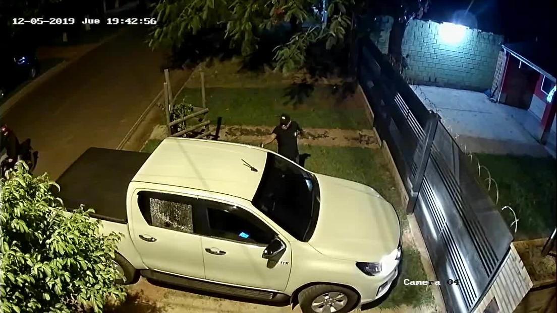 VIDEO: Momento en que 2 sicarios matan a tiros a un exjuez paraguayo en la puerta de su casa
