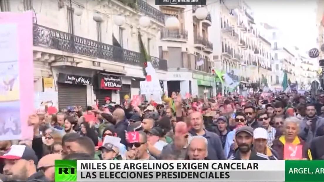 Miles de ciudadanos exigen cancelar las elecciones presidenciales en Argelia