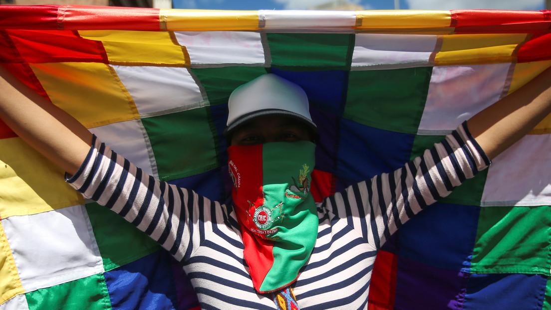 Detienen en Colombia a manifestantes durante una protesta pacífica en el aeropuerto internacional de la capital