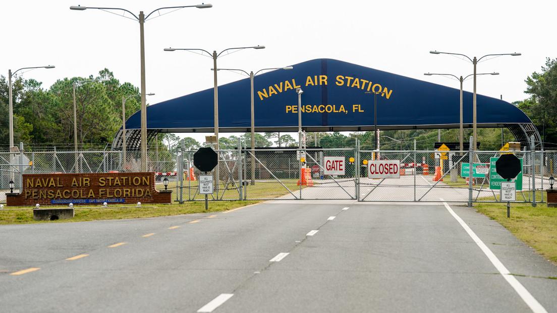 El FBI cree que el tiroteo en la base naval en Florida fue un acto de terrorismo