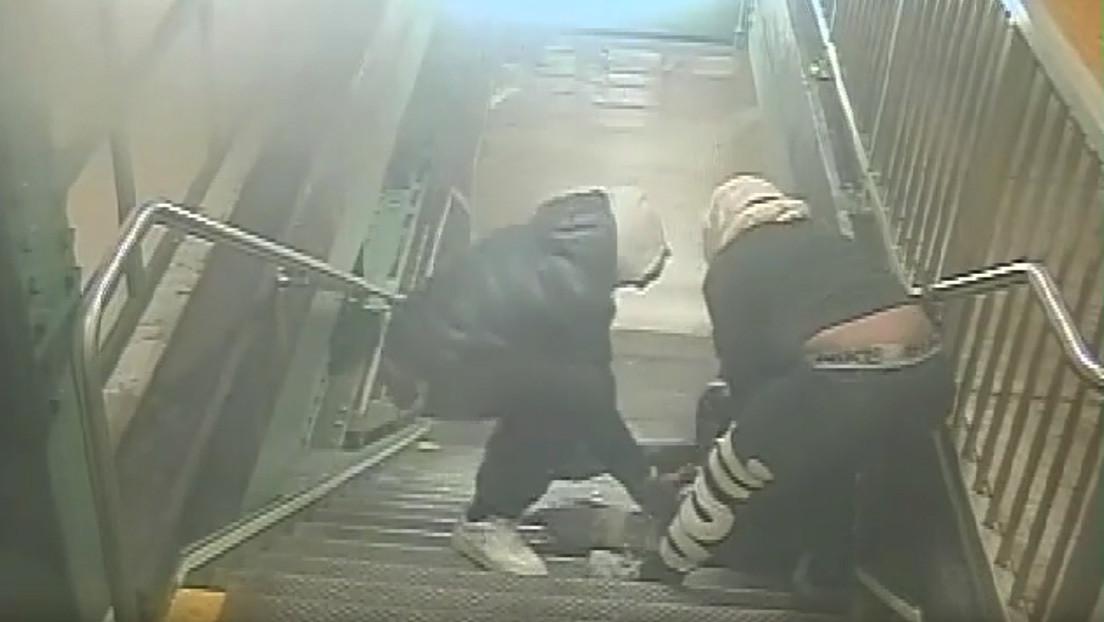 VIDEO: Roban y golpean a dos turistas israelíes en una estación del metro de Nueva York