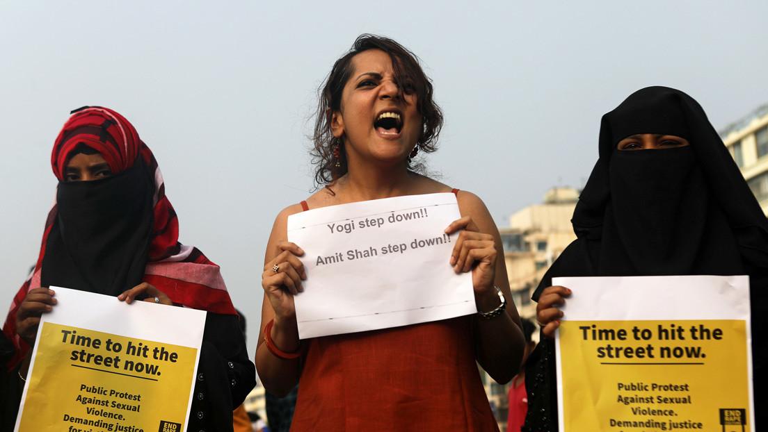 Prende fuego a su vecina en la India tras colarse en su casa e intentar violarla
