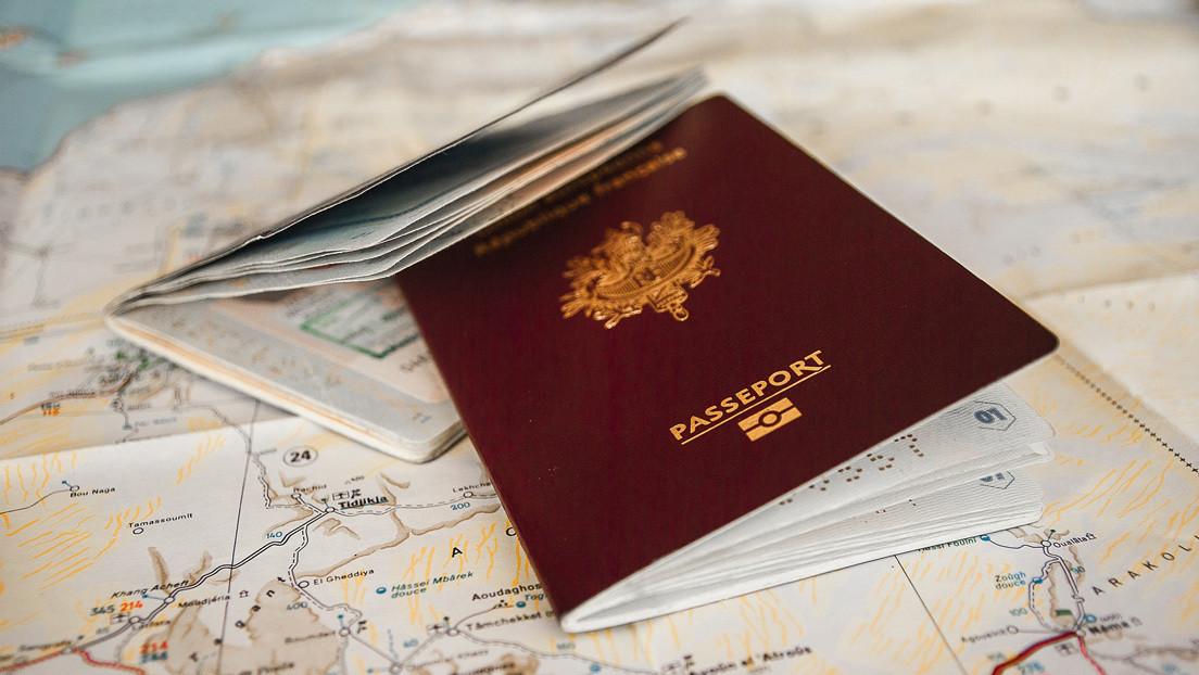 Periodista judía acusa a la Policía sueca de alterar su nariz en la foto de su pasaporte