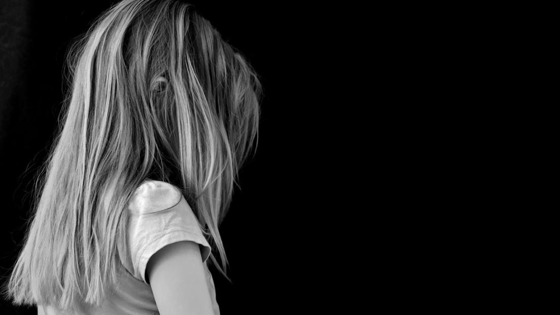 Dictan condena al hombre que persuadía a sus novias para que abusaran sexualmente de sus propios hijos