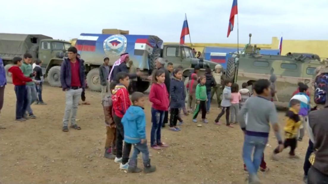 Rusia lleva comida y medicamentos a la población de Raqa en la primera acción humanitaria en el antiguo bastión del EI (VIDEO)