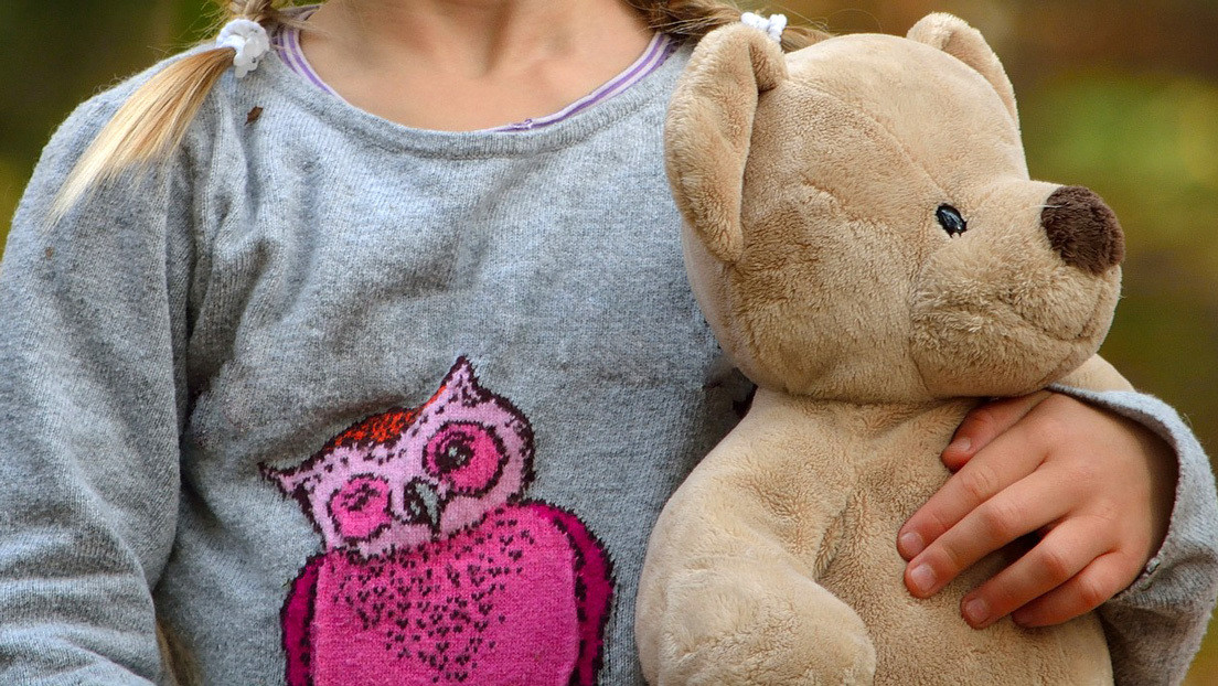 La familia de una niña rusa que vive aislada en una clínica desde su nacimiento podría perder sus derechos parentales
