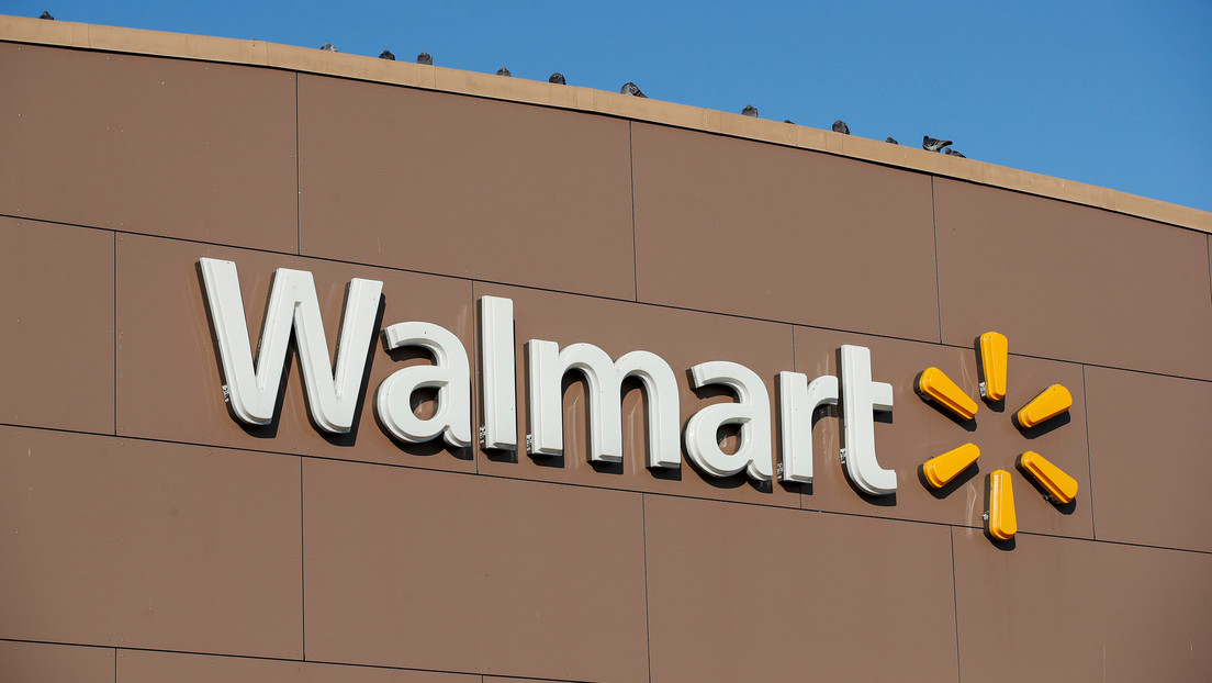 Colombia demandará a Walmart por vincular al país con la cocaína en la promoción de un suéter de Papá Noel