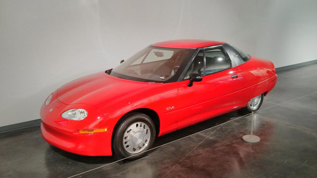 FOTOS: Encuentran un raro vehículo eléctrico que fue destruido en masa por General Motors hace más de 15 años