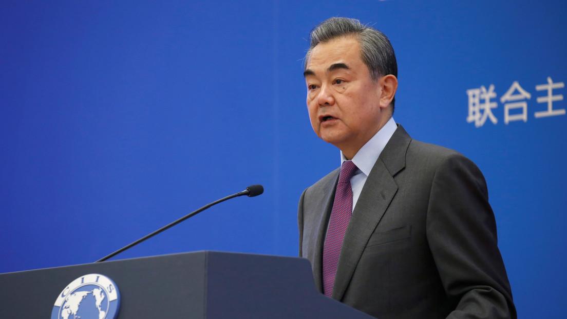 """Ministro de Exteriores de China tilda el comportamiento de EE.UU. de """"casi paranoico"""""""