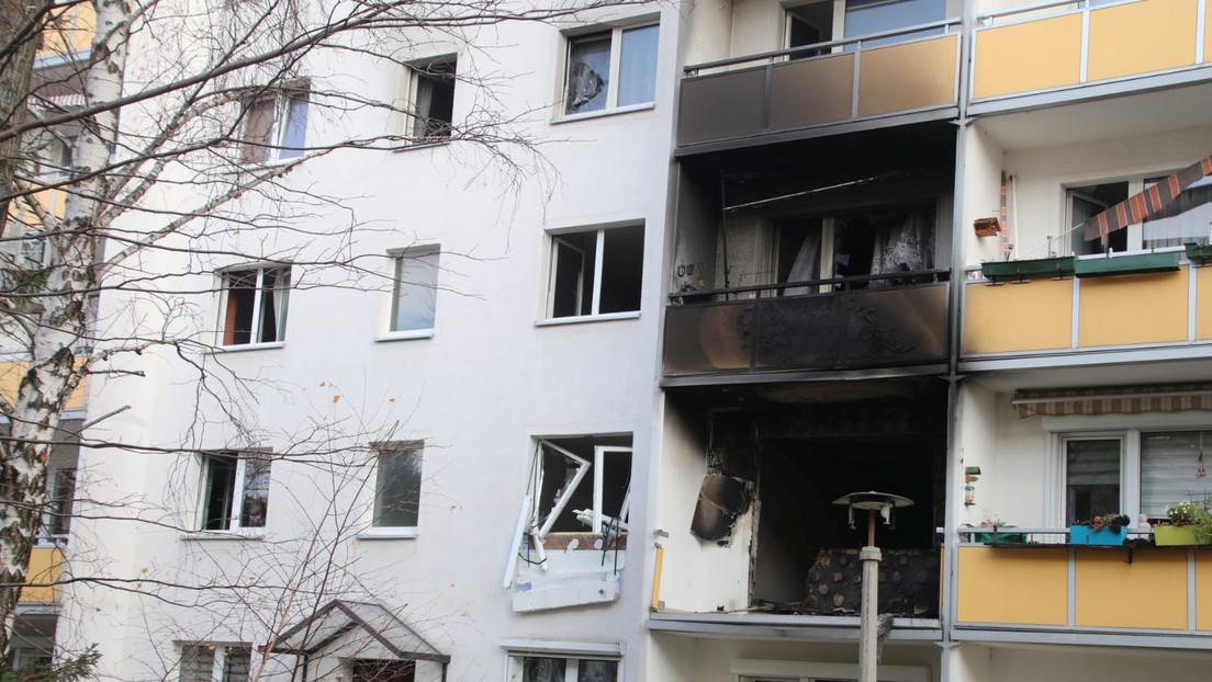 Al menos un muerto y 13 heridos por una explosión en un edificio residencial al este de Alemania