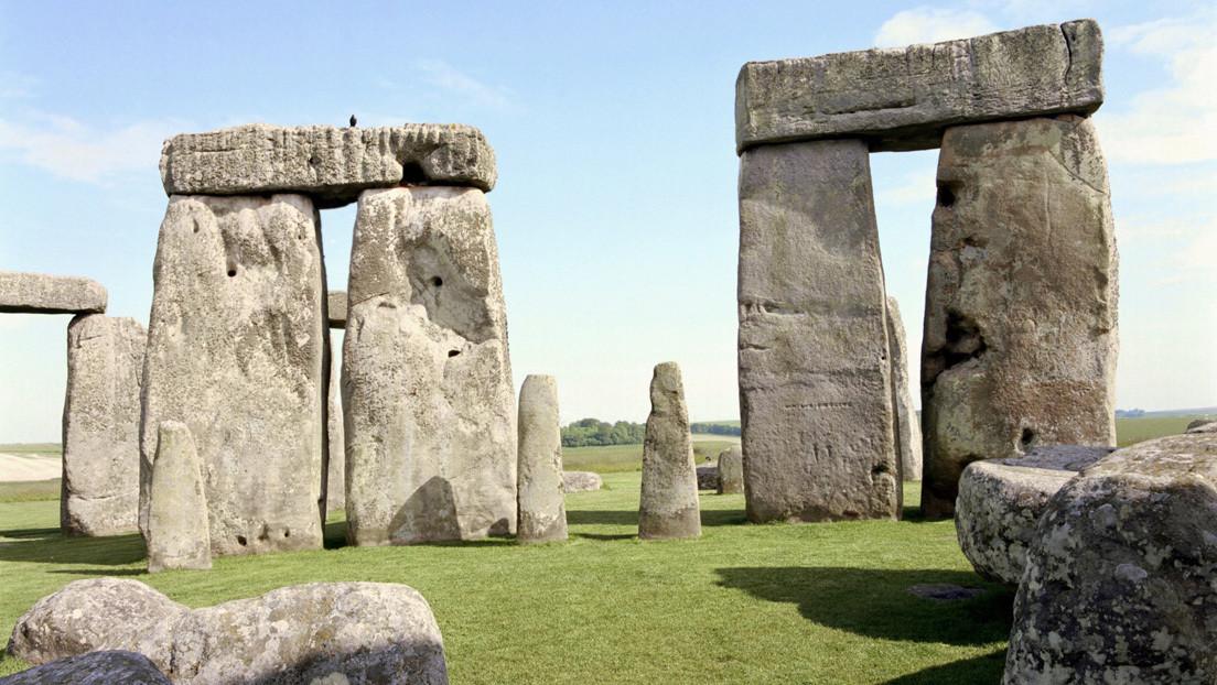Encuentran la foto familiar más antigua tomada en Stonehenge (FOTOS)
