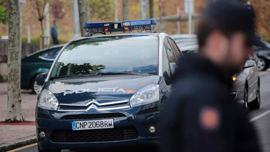 Encuentran en un parque la mochila de una niña de 14 años desaparecida en España