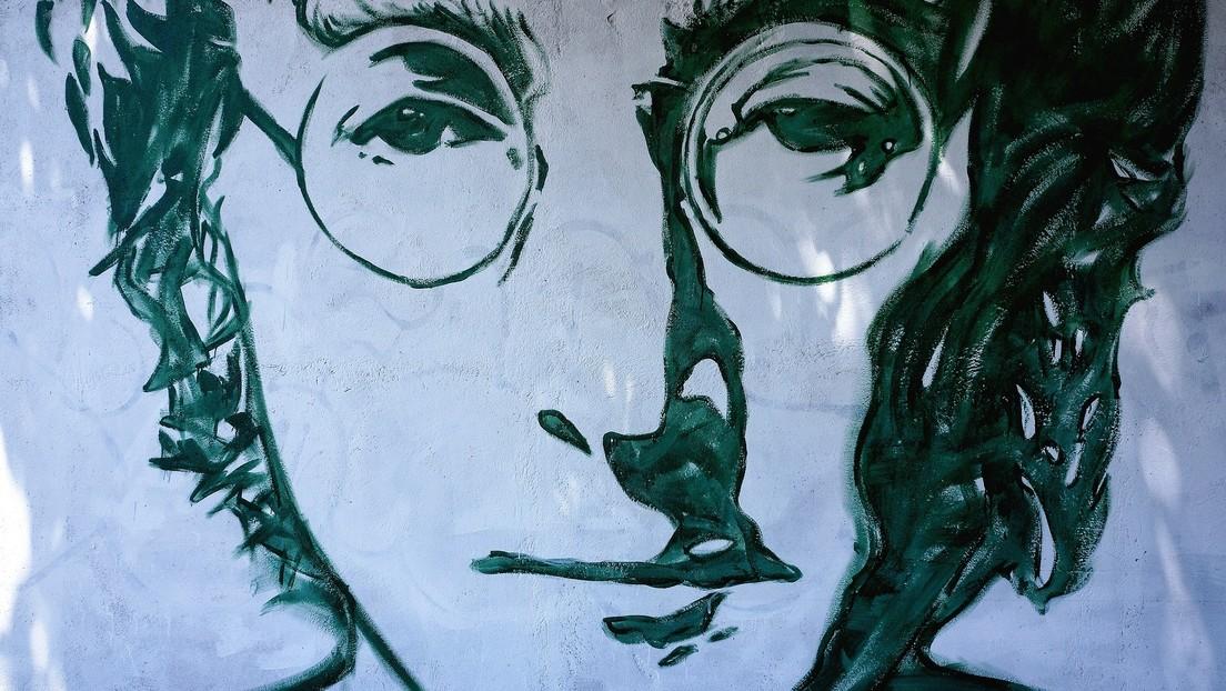 Subastan por casi 200.000 dólares las icónicas gafas de sol de John Lennon