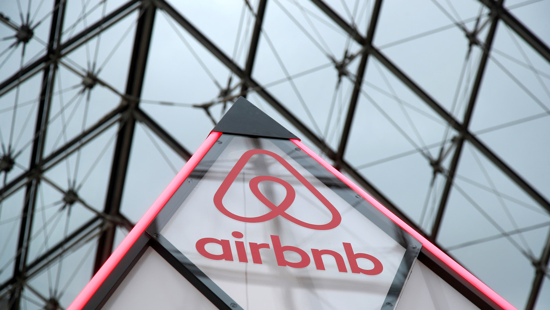 Airbnb suspende más de 60 cuentas de miembros del grupo neonazi Iron March