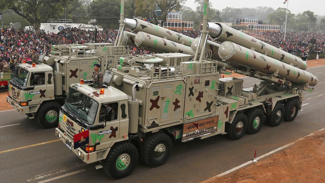 India prueba su misil de crucero supersónico BrahMos, considerado el más rápido del mundo