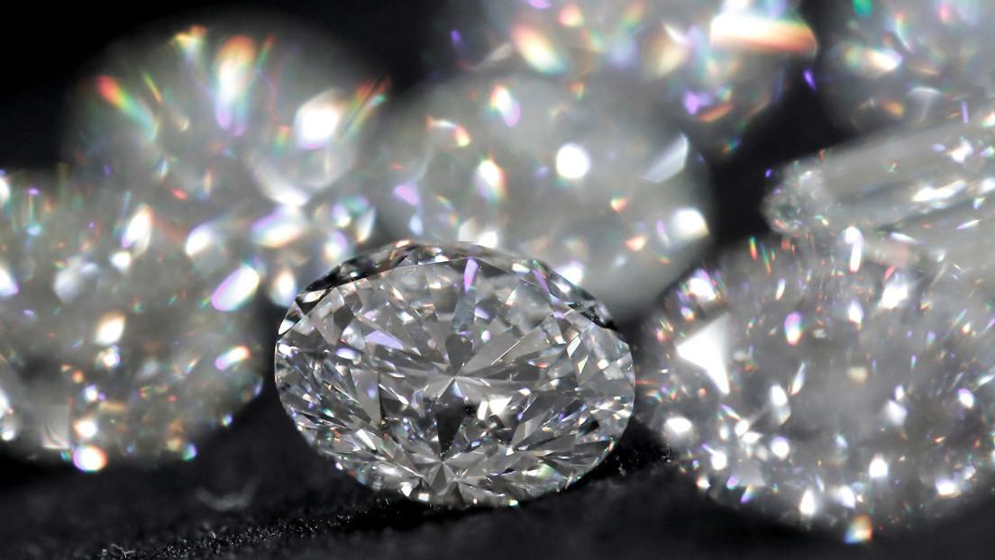 El mayor productor de diamantes del mundo venderá joyas en China usando la tecnología 'blockchain'