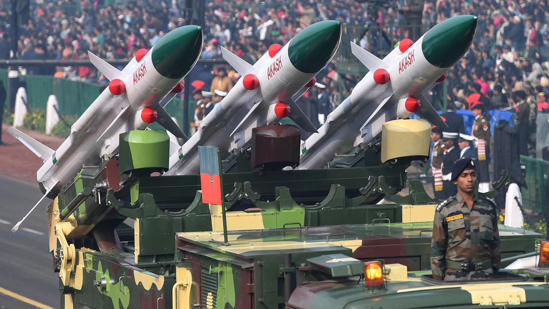 """""""Una nueva crisis de refugiados que eclipsaría a otras"""": Pakistán advierte sobre una posible guerra nuclear con India por Cachemira"""