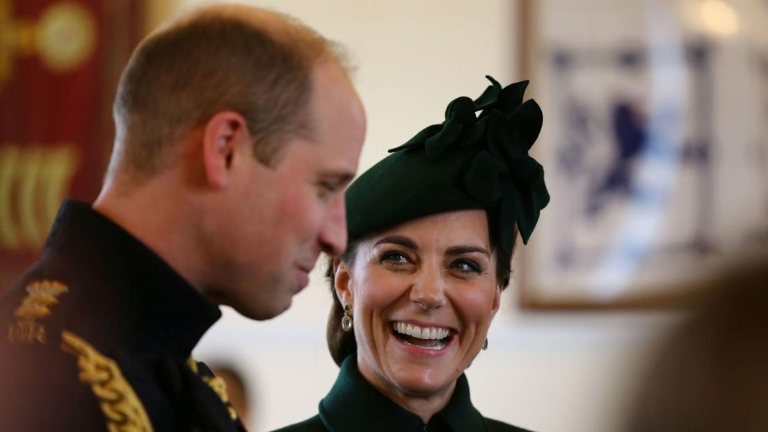 VIDEO: Guillermo de Inglaterra trata de manifestar su cariño a Kate Middleton, pero acaba protagonizando un momento incómodo