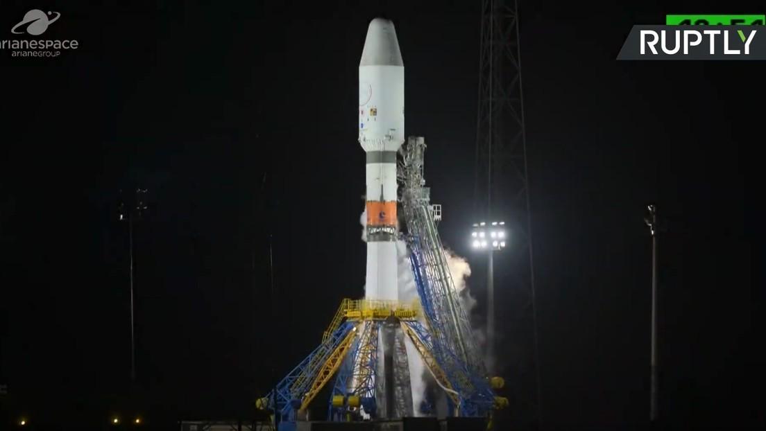 Un Soyuz despega de la Guayana Francesa para llevar a la órbita un telescopio de la ESA para buscar exoplanetas