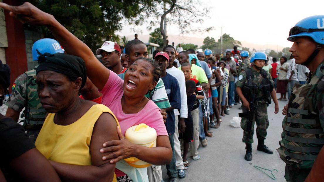 'Unas monedas y te metían un bebé': Cascos azules de la ONU abandonaron a niñas en la miseria tras dejarlas embarazadas en Haití