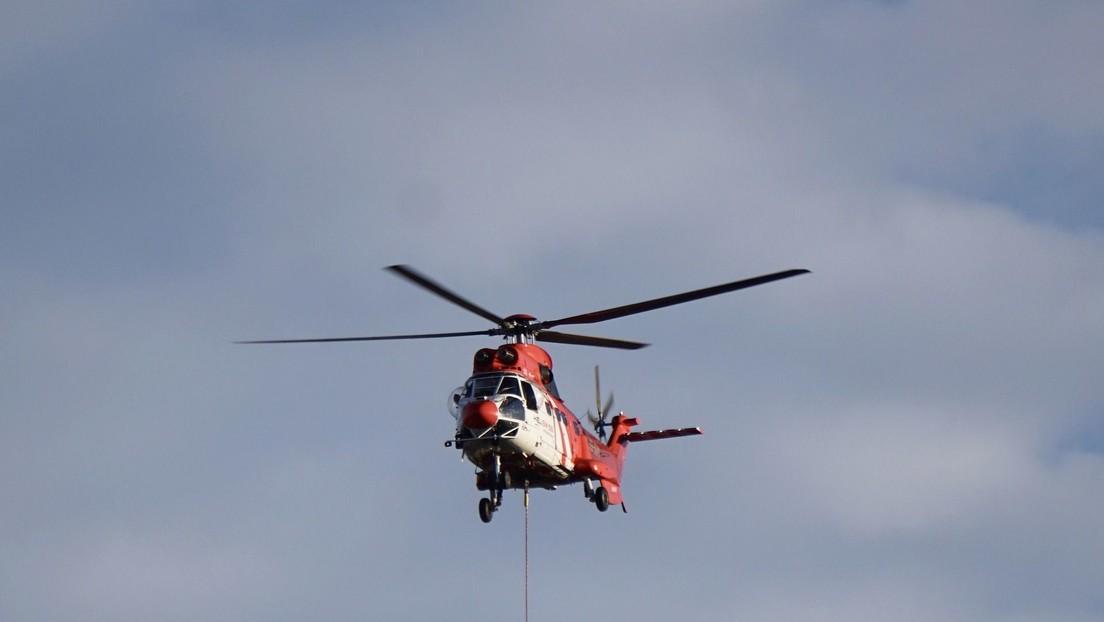 VIDEO: Arrojan un todoterreno de lujo desde un helicóptero para pagar una insólita apuesta