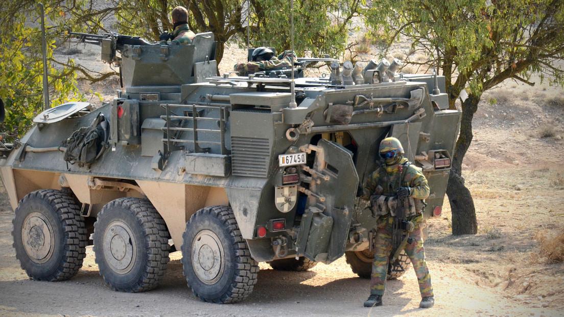 Bélgica gasta 33 millones de dólares en la modernización de sus vehículos blindados y descubre que los soldados no caben dentro