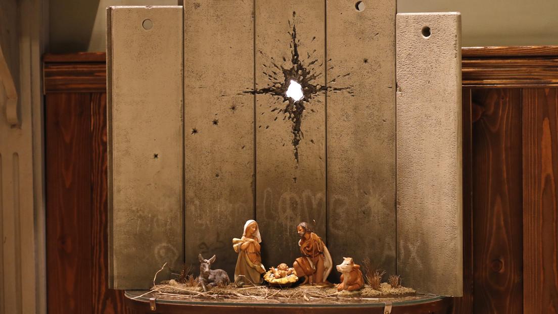'La cicatriz de Belén': Banksy estrena su nueva obra, el nacimiento de Jesús 'marcado' por el impacto de un proyectil