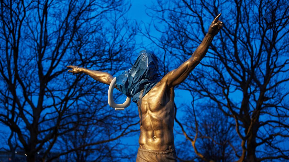 FOTO: Vuelven a vandalizar la estatua de Zlatan Ibrahimovic