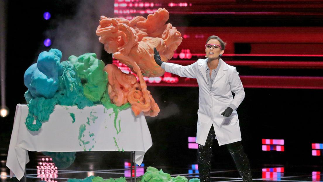 """Bioquímica gana el concurso de Miss América haciendo un experimento que pidió """"no repetir en casa"""""""