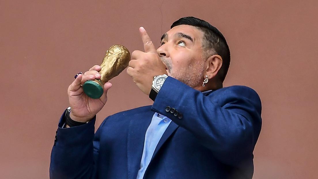 Maradona visita a Alberto Fernández y rememora el saludo del campeonato mundial desde el balcón de la Casa Rosada