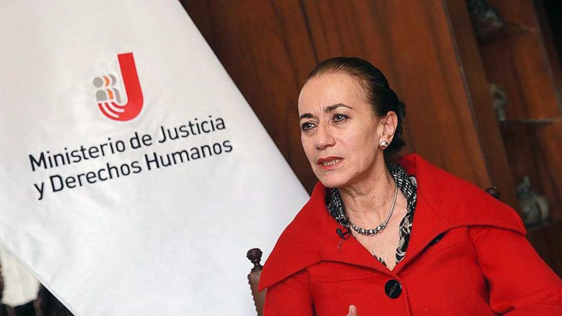 """Polémica en Perú tras la negativa de una ministra a responder sobre el asesinato de una mujer y sus hijos """"por ser Navidad"""""""