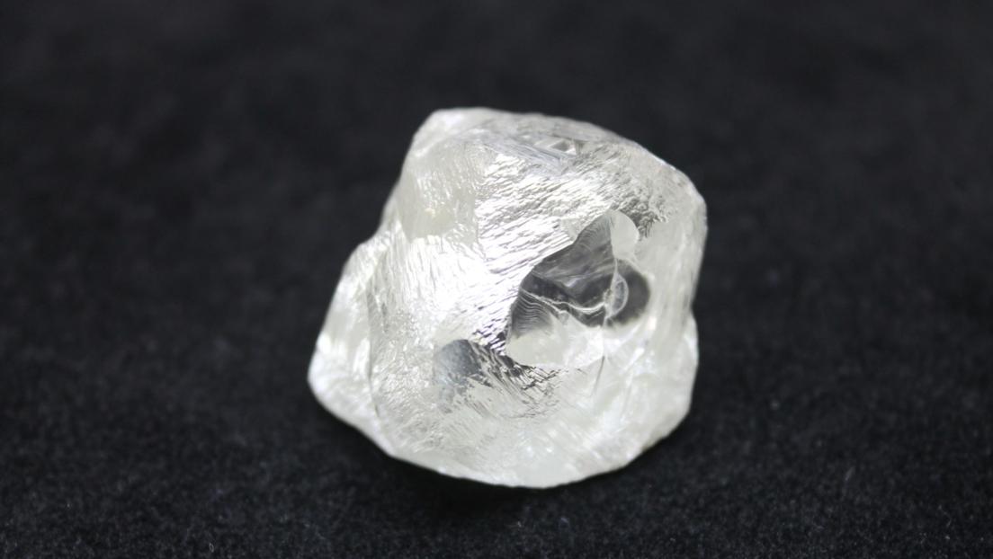 Rusia: Encuentran un diamante gigante en Siberia