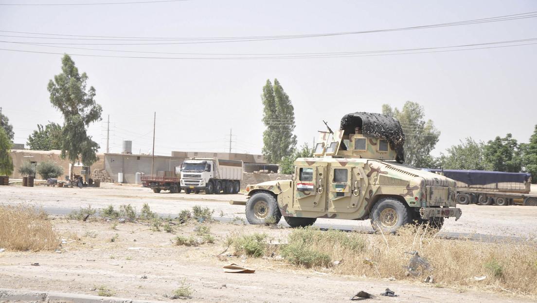 Irak: Contratista civil de EE.UU. muere en una base militar iraquí atacada con cohetes