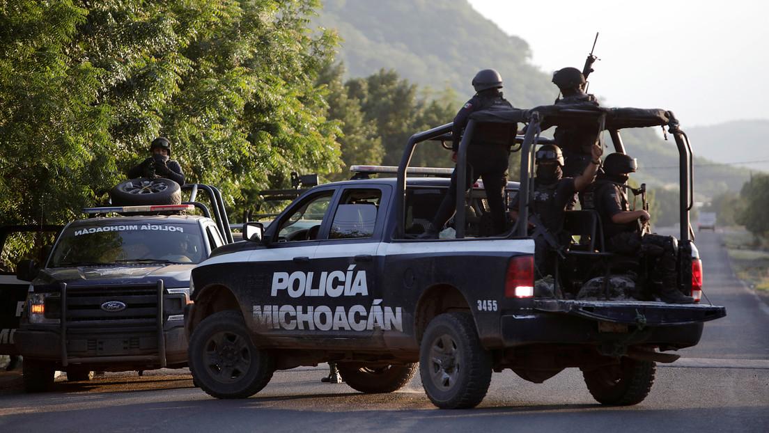 Movilizan 400 policías y militares en Michoacán tras una ola de ataques de miembros del CJNG