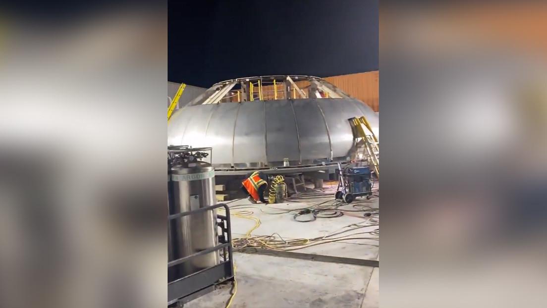 Elon Musk presenta la cúpula gigante de la nave Starship un mes después de que explotara su primer prototipo